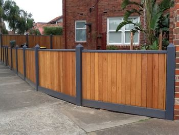 Fence(Blackbutt)-com1.JPG